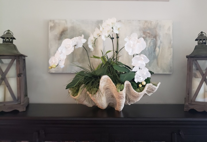 Decorating with a Clam ShellBowl